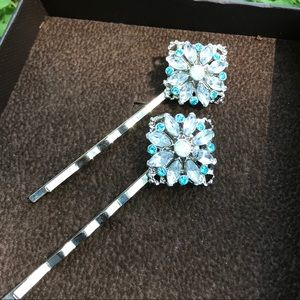Pair of Bridal Pins/Hair Clips Clips.
